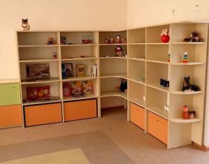 Стеллаж детский для игрушек угловой 2400х320х1900